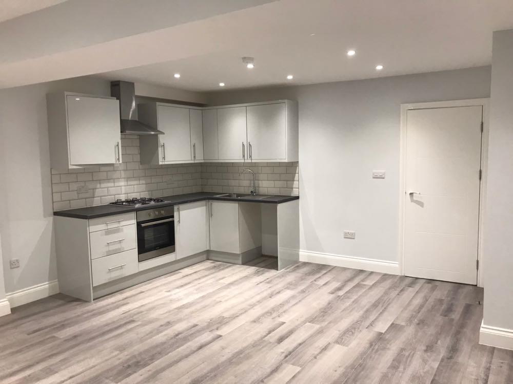 4 Bedrooms Terraced House for sale in Stonebridge